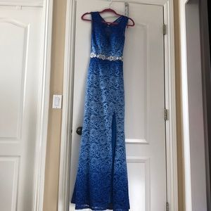 Formal Ombré gown💙